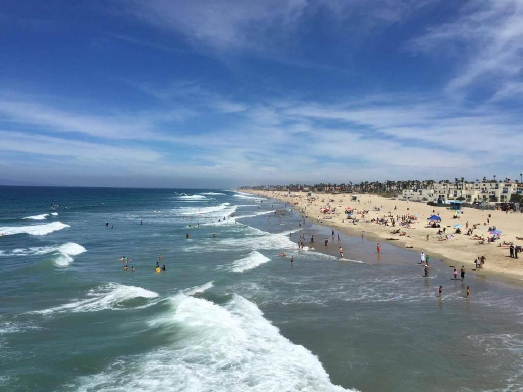 まずはカリフォルニア ハンティントンの海をご覧下さい!